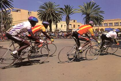 asmara-cycling.jpg